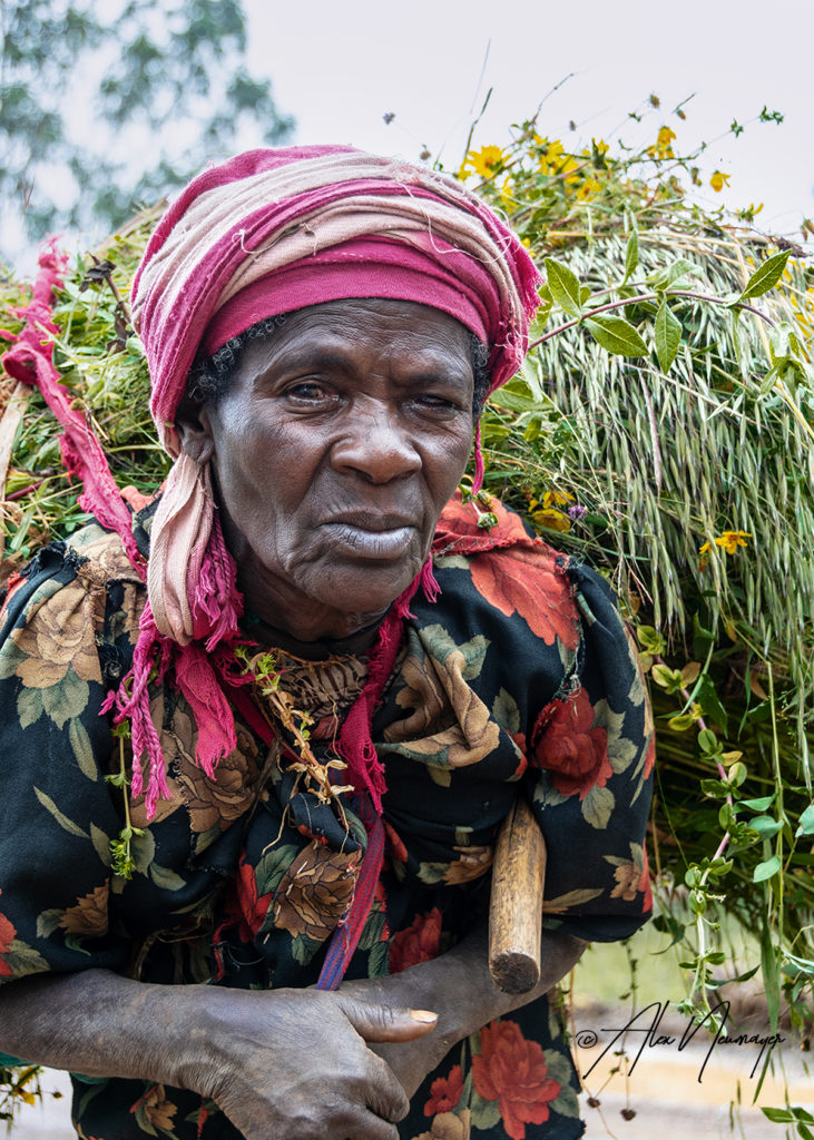 elder Dorze woman_DSC0947